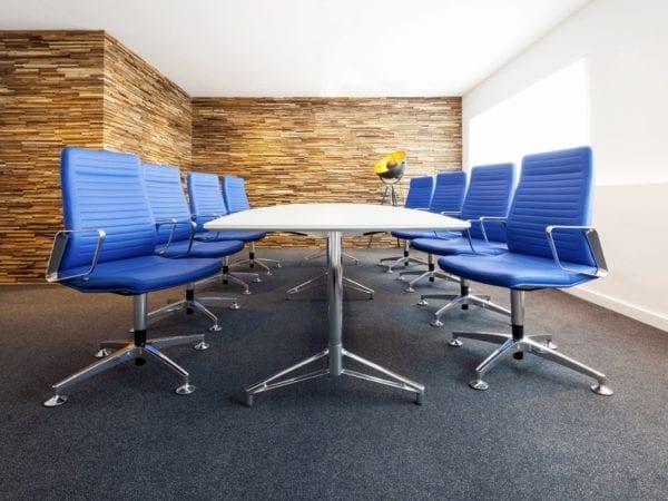Uitnodigende vergader- en bespreekruimtes