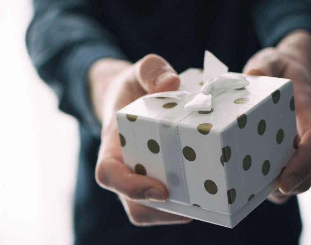 Relatiegeschenken geven